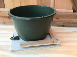 Potted plant platform for small pots